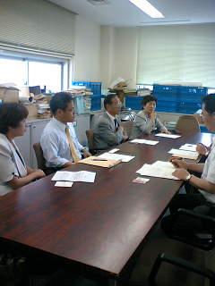先日の果樹被害の農家への支援対策について、県に申し入れにいきました。