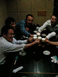医療関係の党後援会決起集会の後、谷川参院比例区予定候補と居酒屋で懇談しました。