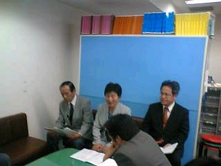 県政政策発表の記者会見に同席しました。