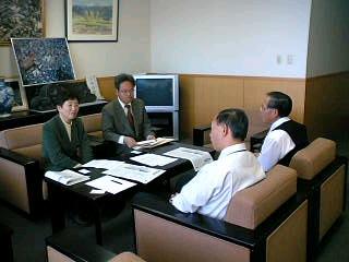 国立病院機構甲府病院に結核病棟の休止中止を求め、申し入れにいきました。
