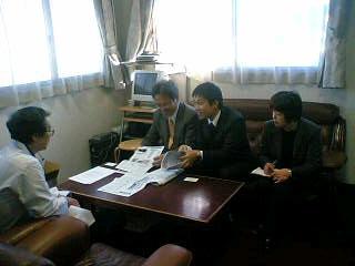 医師不足問題の懇談のため、参院比例候補の谷川さんと病院訪問をしました。
