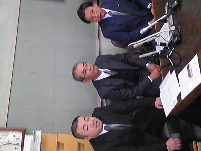 甲府市長候補の記者会見中です。
